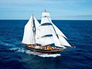 sailing ship Tres Hombres