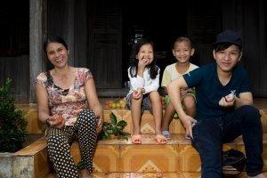 2 marou cacao farmer portrait family
