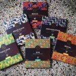 kies de beste bean to bar chocolades van kleine makers van over de hele wereld. de beste en eerlijkste chocolades van craft chocolademakers als chocolate tree uit schotland