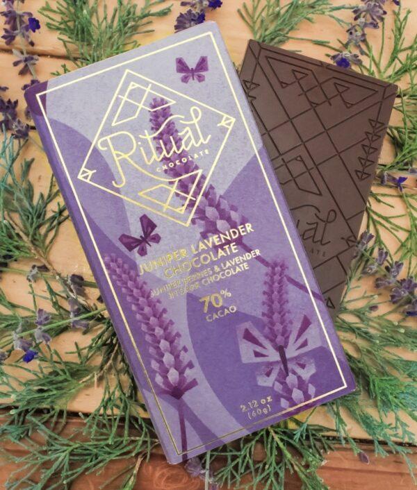 rituale chocolade met lavendel jeneverbes chocolade
