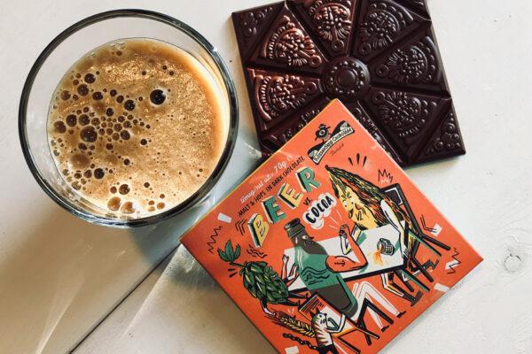 krachtige chocolade en bier gaan de strijd aan in deze pure chocolade met bier snoep en hop van rozsavolgyi uit hongarije