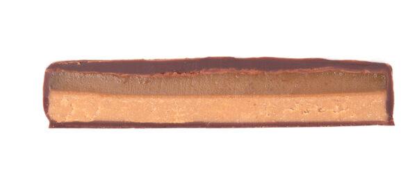 doorsnede zotter gezouten caramel chocolade met amandel praline en zout biologisch fair eerlijk en natuurlijk erg lekker voor liefhebbers van karamel