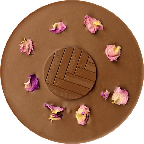 mitzi blue marrakesh melkchocolade met rozen kardemom amandel nougat